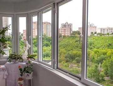 Для чего нужно остеклять балконы