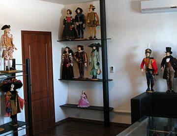 Использование кукол в интерьерах