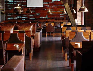 Особенности мебели для баров и ресторанов