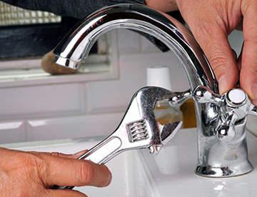 Замена смесителя на кухне или в ванной