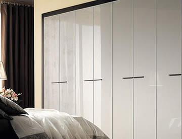 Как вписать шкаф-купе в маленькое помещение?