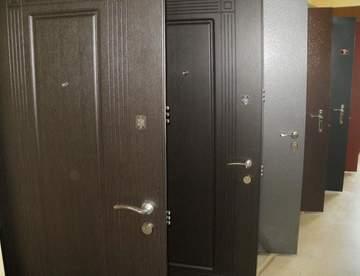 Установка бронированных входных дверей в квартире