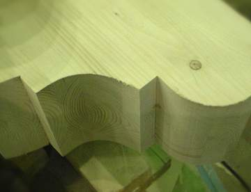 Как делать фигурные вырезы в древесине