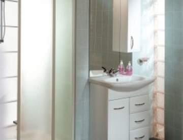 Душевые кабины и мебель для ванной комнаты
