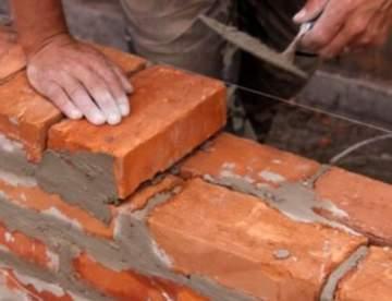 Строительство стены из кирпича в квартире своими руками